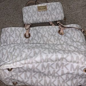 Michael Kors Jet Set Sig Tote with matching wallet